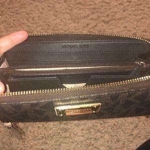 Michael Kors Bags - Brown Michael Kors MK wristlet wallet